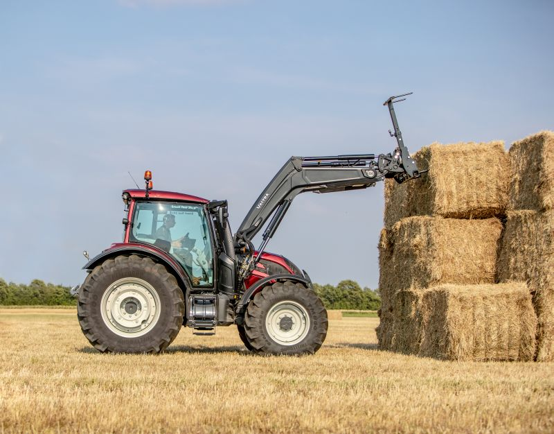 Valtra N4 and T4 hydraulic assistant
